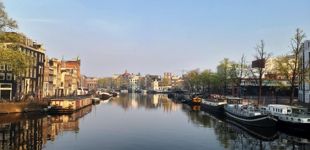 Jutro v Amsterdamu