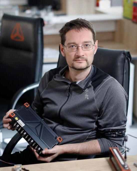 dr Jure Knez, Dewesoft in Katapult